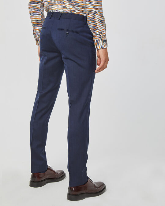 Slim fit pak, Tom