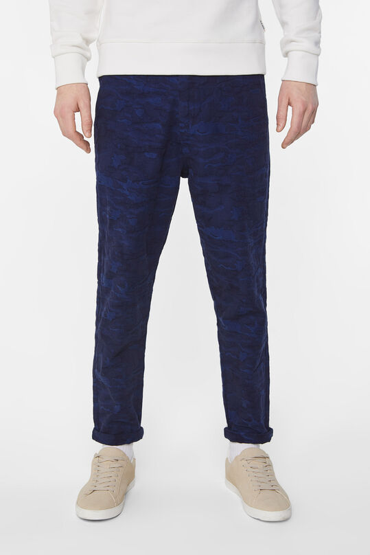 Heren loose fit chino met structuurdessin All-over print